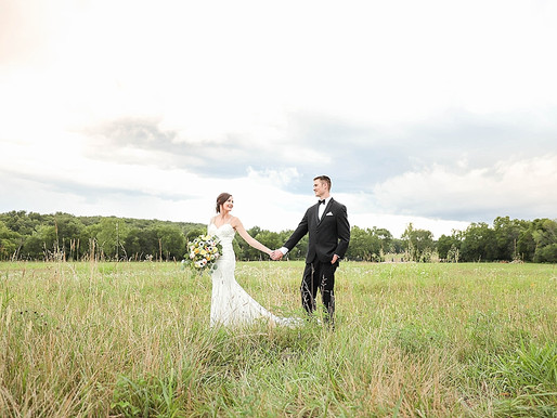 Finding the Perfect Wedding Gown for Your Rustic Wedding