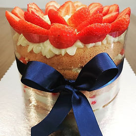 Naked cake de morangos. Uma ótima opção