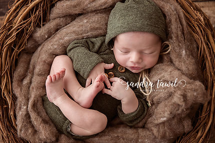 newborn photography rustic