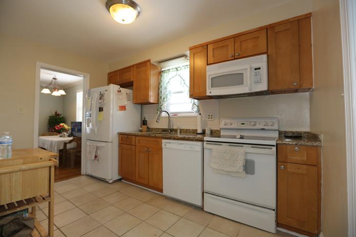10-2 Kitchen.jpg