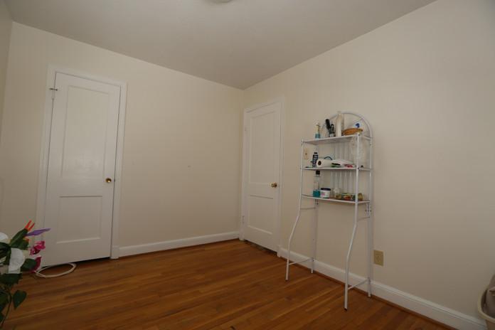 17-2 Bedroom.jpg