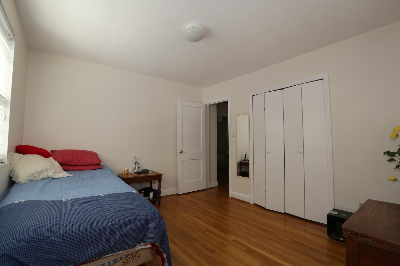 15-1 Master Bedroom .jpg