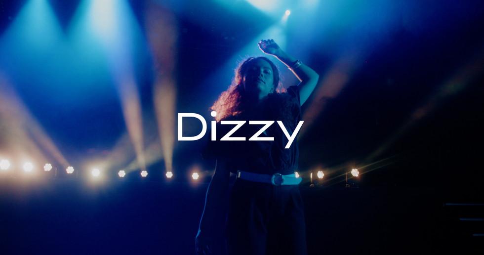 Caroline Alves - Dizzy
