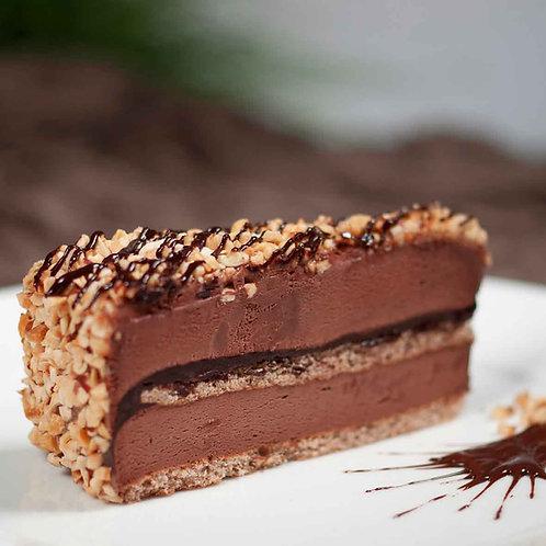 Сладоледена торта Белгийски шоколад с печени лешници (4 парчета)