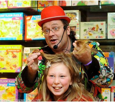 Tony Baloney magician at a birthday party