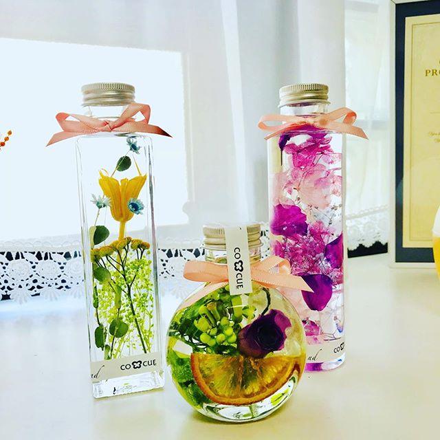 本日の認定講座。_・_中区からお越しのK様。_・_フラワーアレンジメントをされていらっしゃいましたのでお花の綺麗な見せ方をご存知でお花を切る手際の良さもお見事でした🌸_・_K様のエ