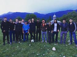Na koniec dnia #pilkanozna ⚽ _Z niektórymi spotkacie się w #lipiec #camp #sport #CAUCASUSXTREK _To m
