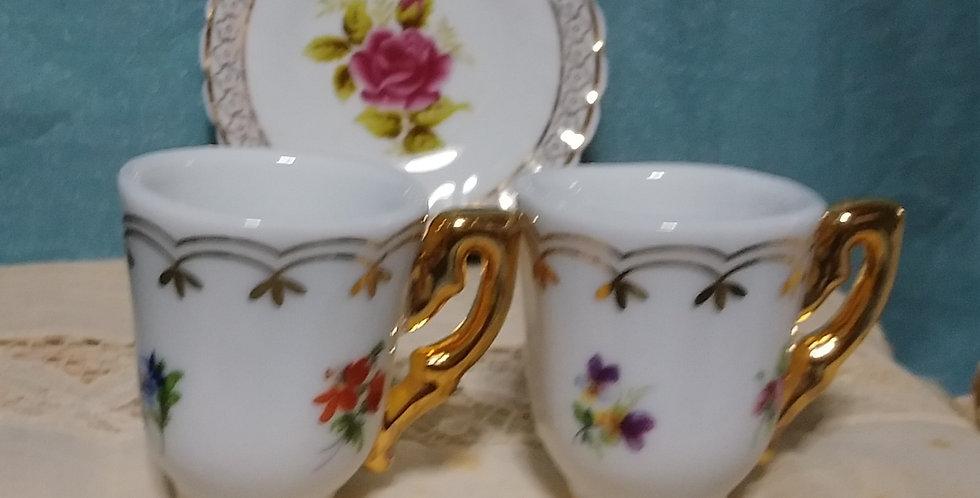 カップ2個+バラの皿