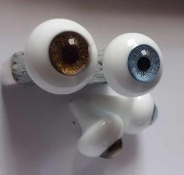 義眼は作り方で形が違います♪
