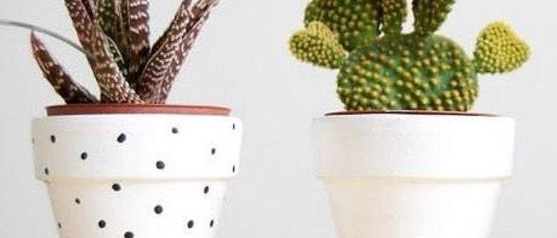 Vaso di terracotta decorato a mano