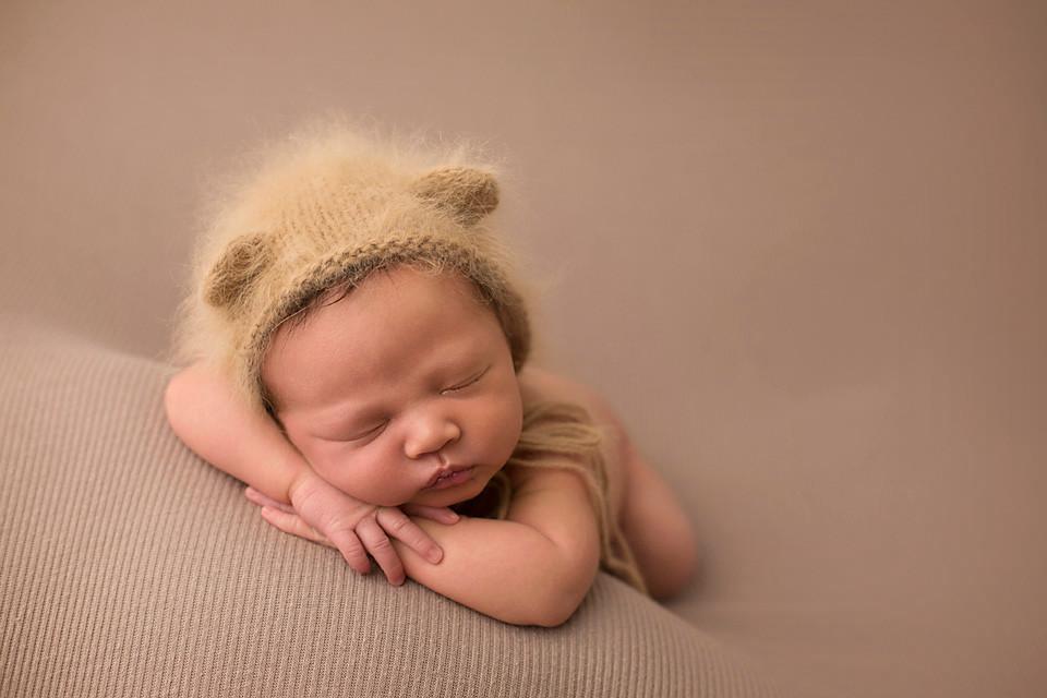 bear bonnet baby