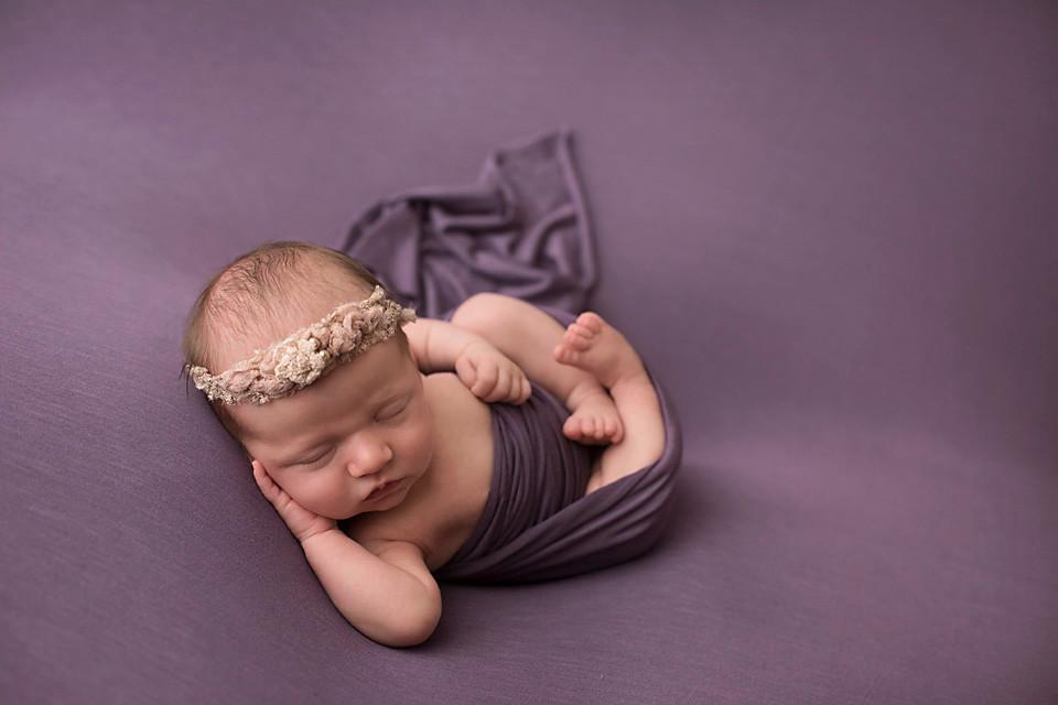 relaxing newborn posing