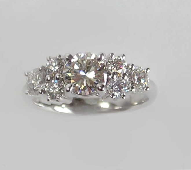 The 'Seven-Diamond' Ring