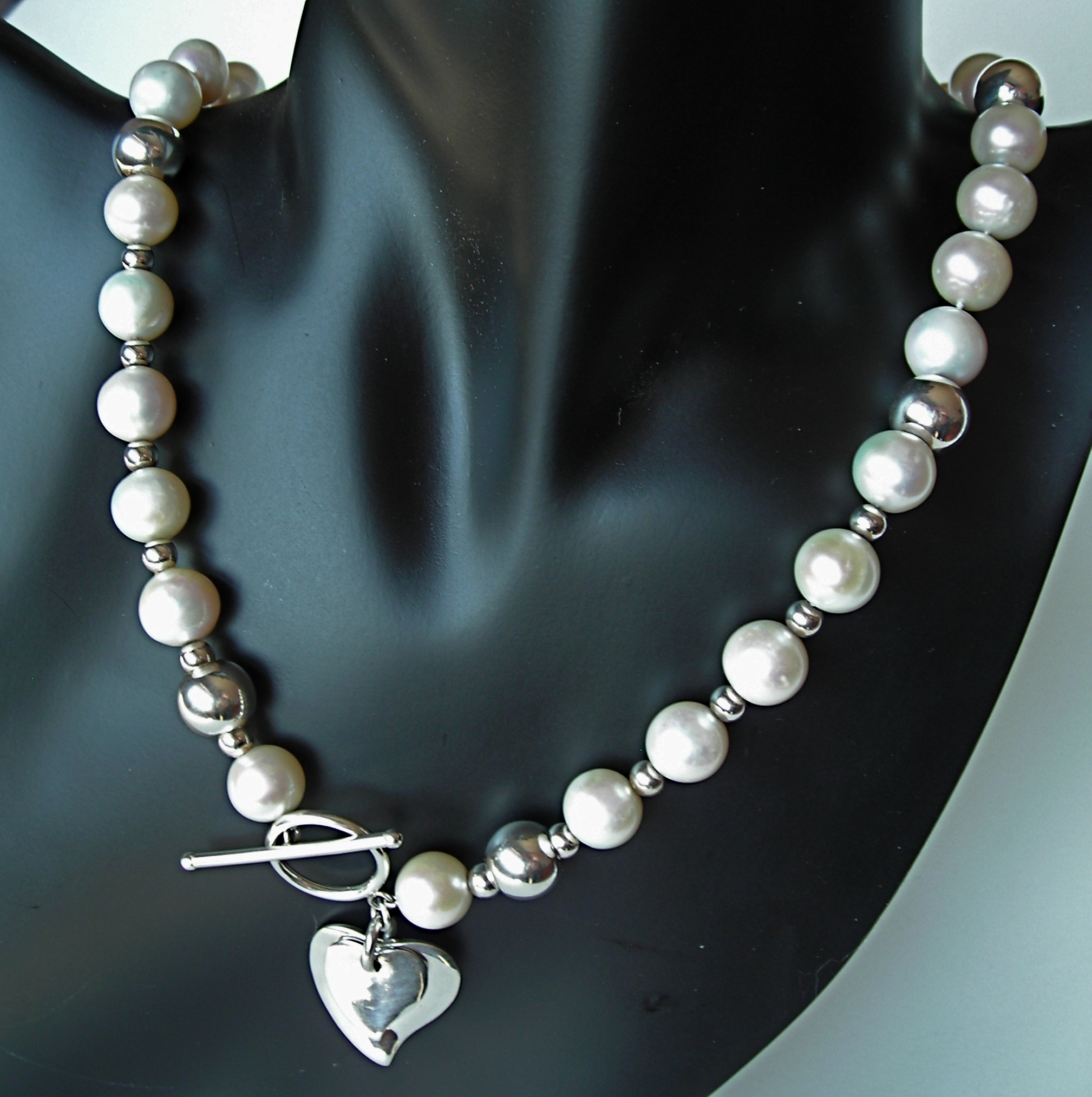"The ""One"" Freshwater Pearl Necklace"