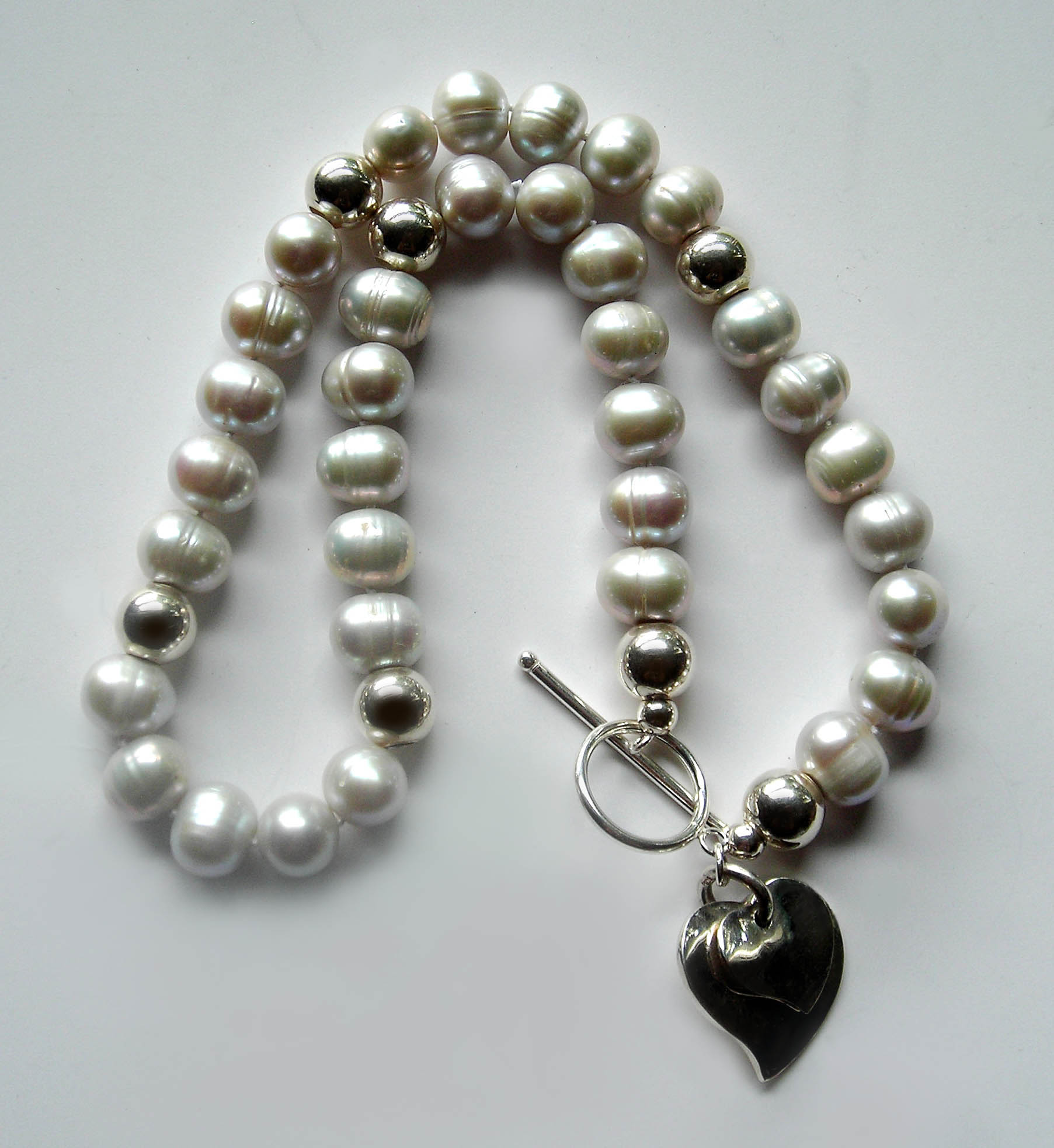 The Illumina Gray Pearl Necklace