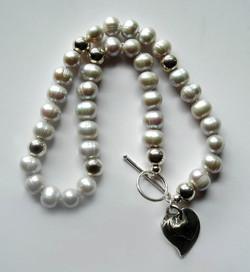 The Illumina Gray Pearl Necklace