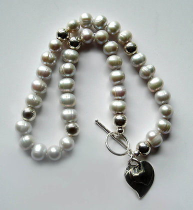 The 'Illumina' Pearl Necklace