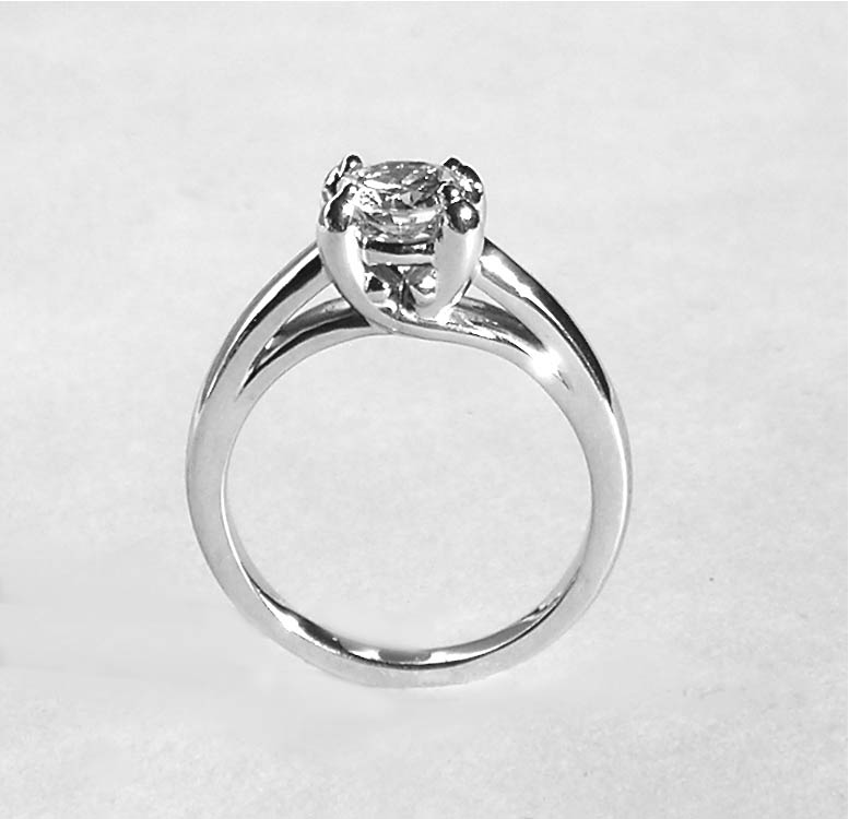 The 'Dolphin' Diamond Ring