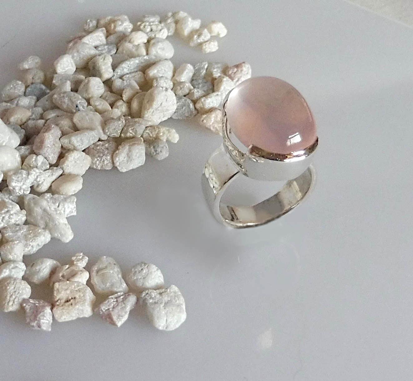 Rose Quartz Ring in Silver