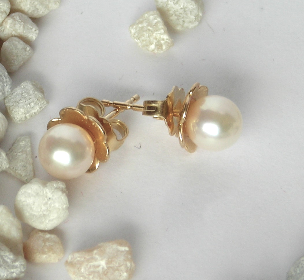 Cultured Pearl 'Petal' Earrings