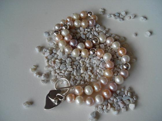 Peaches 'N Cream Pearl Necklace