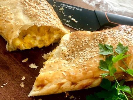 👩🍳Slaný závin se sýrovo-česnekovo-mrkvovou náplní