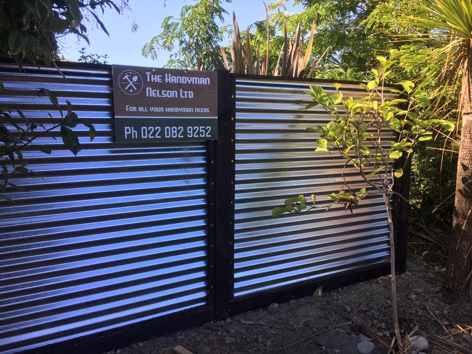 Modern Style Tin Fence