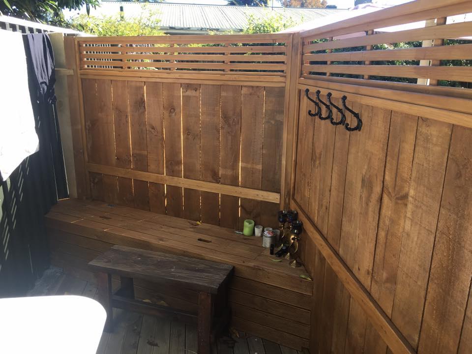 Outside bath surround