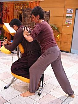 séance de massage assis à Avignon lors d'un salon bio, Vaucluse, Villeneuve lez Avignon