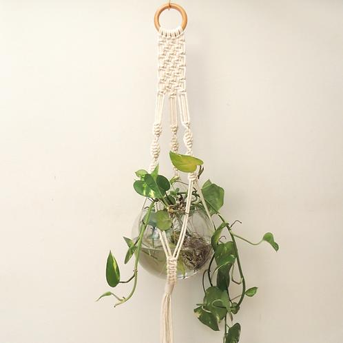 hanger Nina