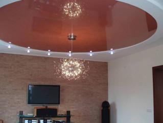 Натяжные потолки в зале. Дизайн, доступный каждому