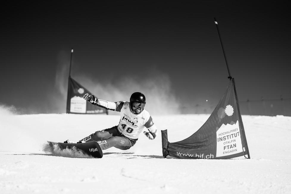 Snowboard Alpin Weltcup in Scuol
