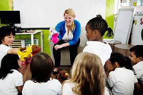 kindergarten-students-sitting-on-the-flo