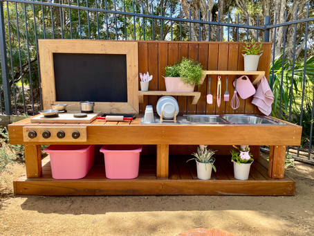 Kids Mud Kitchen