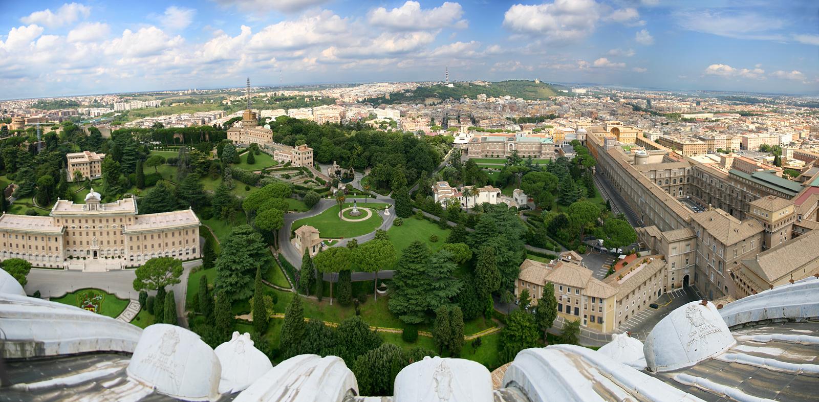 Vatikanische_Gaerten_Museen_Rom.jpg
