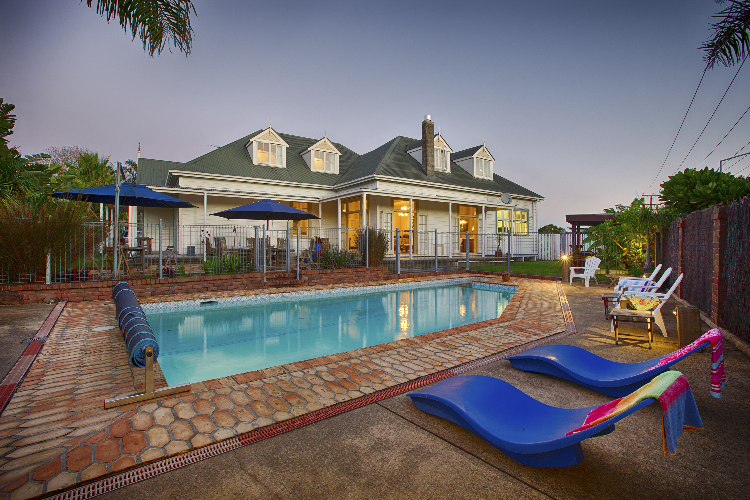 Evening pool & villa
