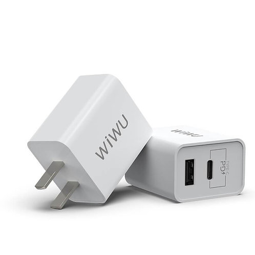 UM13 CCC. wall charger