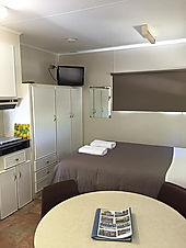 Bright Affordable Cabin Accommodation.jp