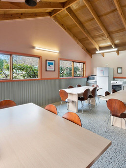 Bright Caravan Park Camp Kitchen.jpg