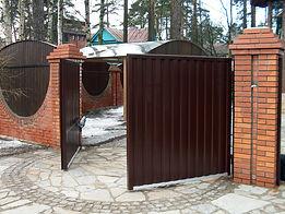 Распашные ворота в компании Вертикаль