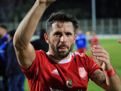 אום אל פחם נותרה בפסגה לאחר ניצחון 3-1 על עירוני נשר