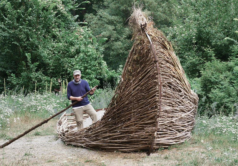 Chakal Nature Artist and forest sculptor