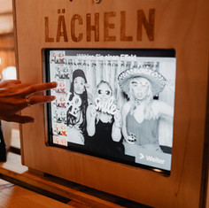Photobooth Minden - Fotobox mit Filter Funktion Scheunenhochzeit auf Hof Frien