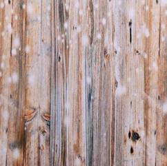 Fotobox Backdrop - Dunkles Holz mit Lichterkette
