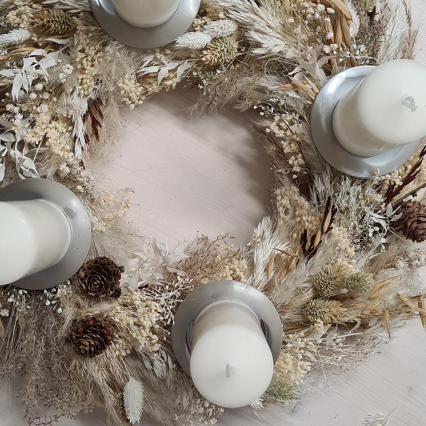 Workshop > Adventskranz Trockenblumen