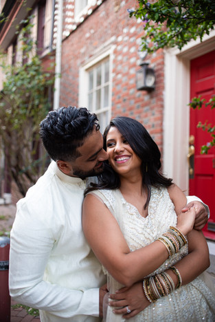 elfreth alley engagement session philadelphia photographer