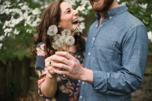 bartrams garden engagement shoot philadelphia photographer daisy flower happy