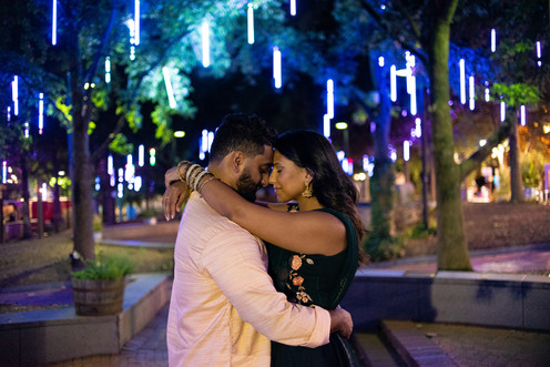 spruce street park lights multicolored philadelphia photographer engagement couple shoot