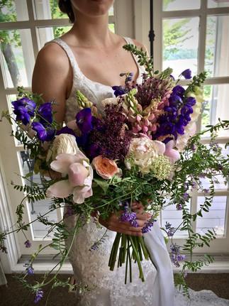 Bouquet mariée delphinium.jpg