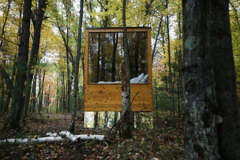 Big window w/ mirrors